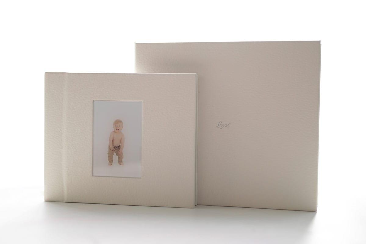 Album und Box fuer Schwangerschafts und Babyfotografie Carmen Bergmann Studio