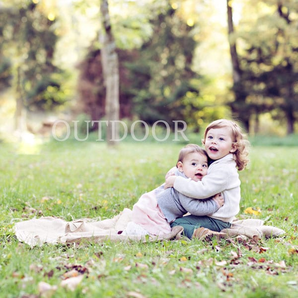 Outdoor Fotografie fuer Babybauch Shooting von Carmen Bergmann Fotostudio in Muenchen