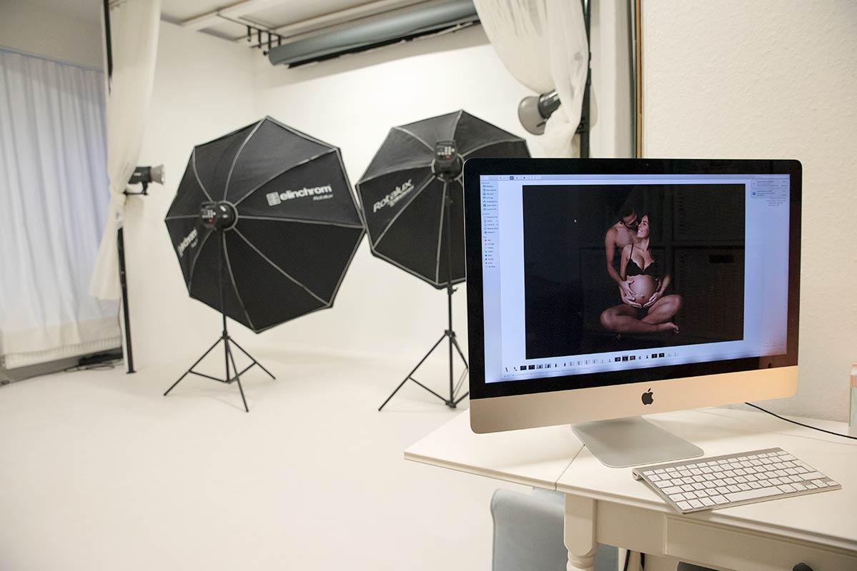 Bergmann Fotostudio Babybauch Shooting und Neugeborene Fotografie Muenchen