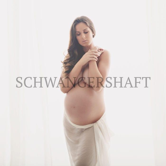 Babybauch-Shooting-fuer-Schwangerschaftsfotografie-Bergmann-Fotostudio